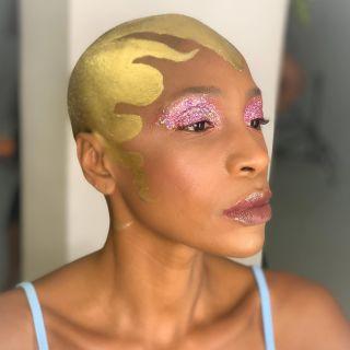- BACKSTAGE -  Workshop @nathsakuraofficial  Coiffure @christophepujol  Modele @moh_dia  Makeup @manonmakeupartist  #shoot #workshop #montpellier #makeup #maquillage #mup #glitter #fakehair #blackmakeup #hairstyle #studio #glow #glowymakeup #art #artmakeup #model #modeling #backstage #beauty #glittermakeup