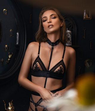 - SHOOTING -  Collection «Moon Spell» par @13emelune_lingerie   Lingerie @13emelune_lingerie  Modèle @ambrerenard_  Photo @yannmalotti Make up @manonmakeupartist  Hair salon hair&cake Lieu @le_cabinet_de_cire  #makeup #shoot #shooting #lingerie #collection #studio #model #modeling #maquillage #mua #mup #candle #marseille #montpellier