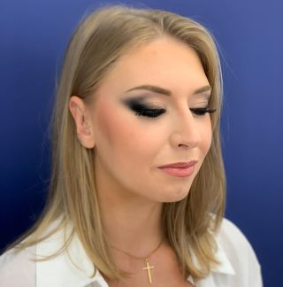 -DÉMO - Maquillage à l'occasion d'une formation donnée.  #makeup #formation #maquillage #blackmakeup #blackmakeuptutorial #blueeyes #montpellier #mua #maquilleusemontpellier #studio #eyebrows #beauty #modeling #focus #mup