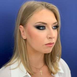 - DÉMO - Maquillage à l'occasion d'une formation donnée.  #makeup #formation #maquillage #blackmakeup #blackmakeuptutorial #blueeyes #montpellier #mua #maquilleusemontpellier #studio #eyebrows #beauty #modeling