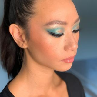 - BACKSTAGE -  Maquillage sur @ladymariewu lors d'un #workshop @nathsakuraofficial au @studiophotob612  #studio #shoot #makeup #bluemakeup #light #mup #mua #maquillage #montpellier #liner #lashes #backstage #highlights #gloss #lips #model #modeling #beauty