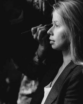 - WEDDING - ▪️ @laurent_brouzet  ▪️ @masdescomtesdeprovence   #backstage #wedding #preparatifs #mariage #mariagesud #maquilleusemariage #maquilleusemontpellier #mua #bridalmakeup #bridemakeup #brushes #masdescomtesdeprovence #photography