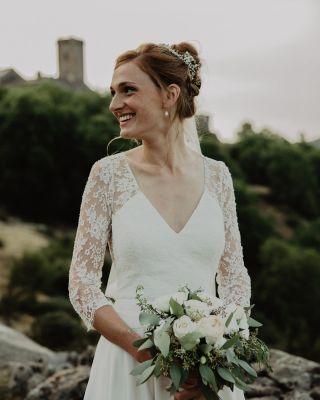 -WEDDING -  Avec @agence_ouishes @marioncarpentiercoiffure @margotmchn  #maquillage #makeup #weddingmakeup #southoffrance #montpellier #flowers #weddinghair #weddingdress #happiness #bride #bridal #bridemakeup #maquilleusemontpellier