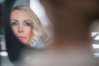 - WEDDING - Avec @version_luxe_evenements @davidz_photographer @marioncarpentiercoiffure  #wedding #makeup #bride #bridal #bridalmakeup #mirror #hair #focus #photography #nimes #montpellier #france #maquillage #mup #mua #mufe #light #summer
