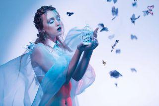 - SHOOT -  Avec @mattda_ @christophepujol @studiophotob612 @mathildabarret  #shoot #shooting #makeup #strange #butterfly #light #photography #maquillage #mup #hairdress #papillon #purple #sweetness #montpellier #studio #modeling #art #latergram #maquilleusemontpellier
