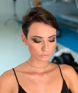 - BACKSTAGE -  #shooting #shoot #studio #mup #mua #montpellier #maquillage #makeup #smoke #glow #highlights #contour #nolips #eyebrow #shine #eyeshadow #makeupforever #maccosmetics #model #modeling #backstage