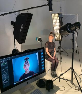- BACKSTAGE -  #shoot #makeup #light #backstage #mua #mufe #model #modeling #montpellier #mup #instamakeup #shooting #photography #studio