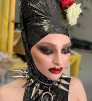 - BACKSTAGE -  #makeup #maquillage #strange #studio #modeling #mup #mufe #mua #trasher #blackmakeup #hairstyle #model #lipstick #biglips #beauty #workshopphotography #montpellier